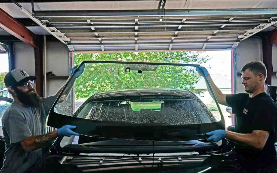 Windshield Replacement | Replacing a windshield